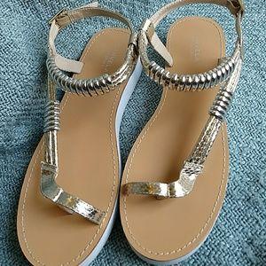 f9f652522cbb kurt geiger Shoes - Carvela flat platform sandals in gold and white